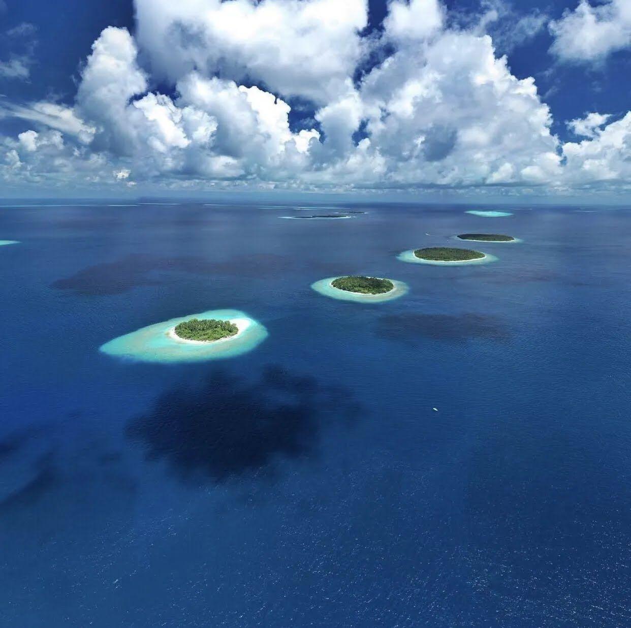 """Оптическая иллюзия с """"летящими"""" островами"""