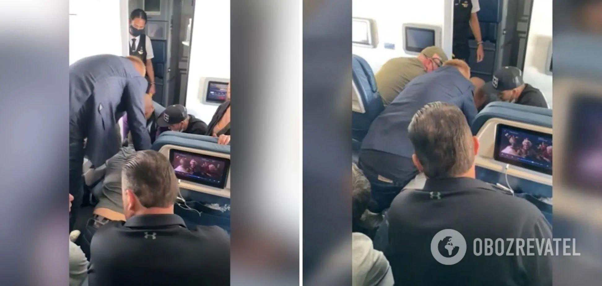 Чоловік намагався відкрити двері літака під час польоту
