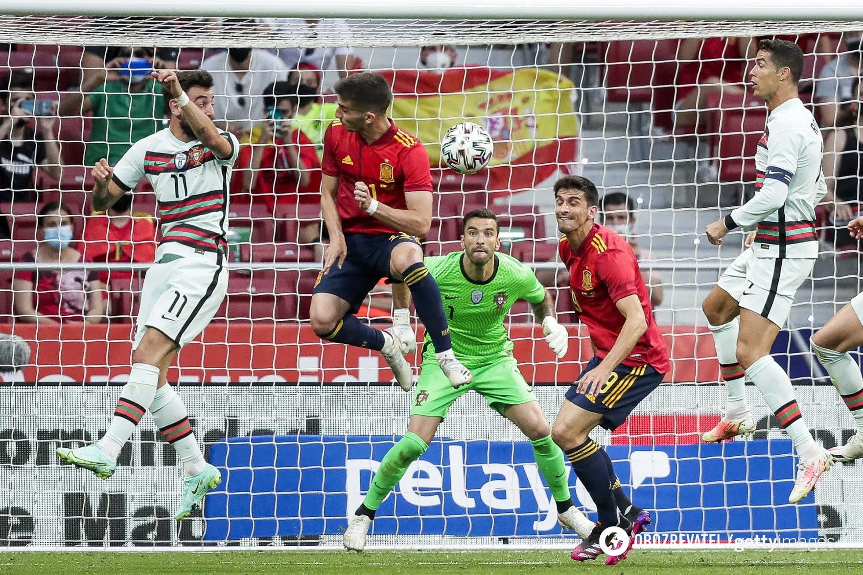 Испания перед Евро-2020 сыграла с Португалией.