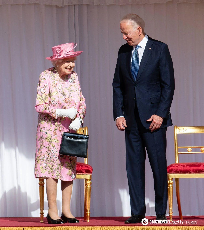 Єлизавета II і Джо Байден