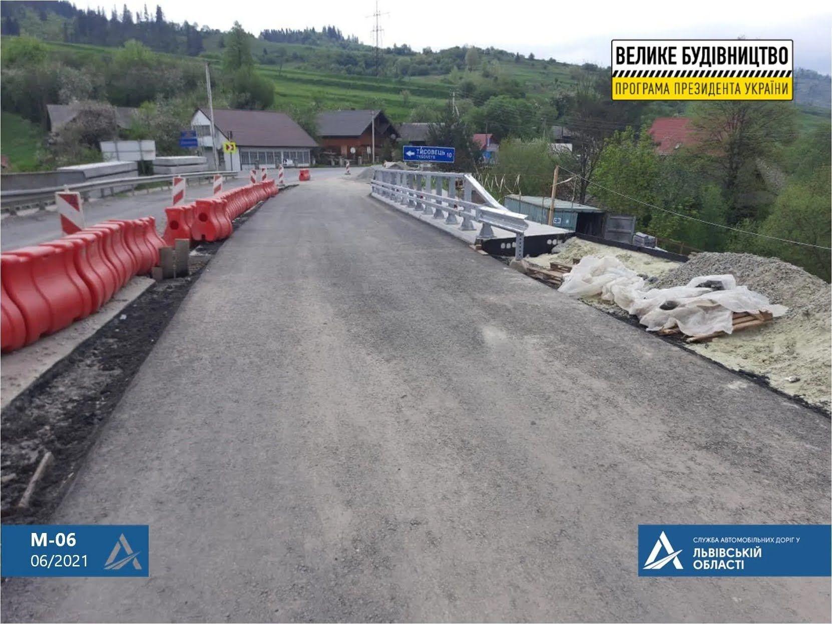 На Львівщині триває відновлення мостових переходів дороги М-06