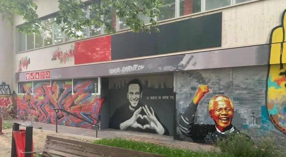 Навальний з'явився на стіні в Женеві