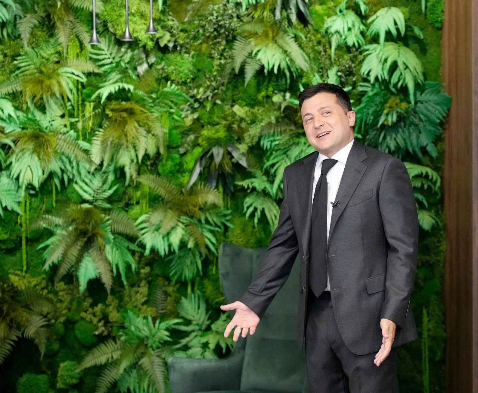 Зеленський в новому кабінеті на Банковій.