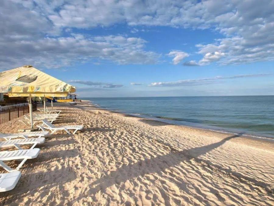 На Арабатській стрілці можна знайти пляжі на будь-який смак