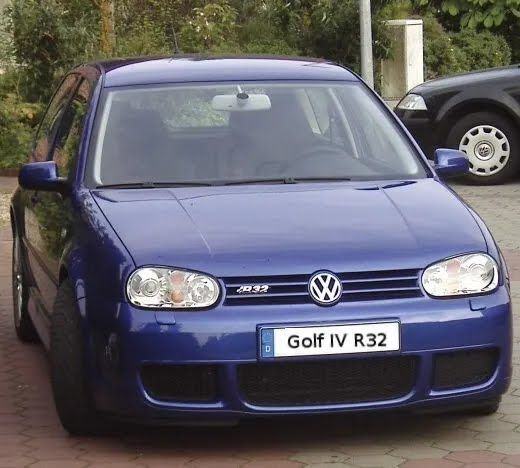 Volkswagen Golf R32 подарил спорткару свой 3,2-литрвоий V6