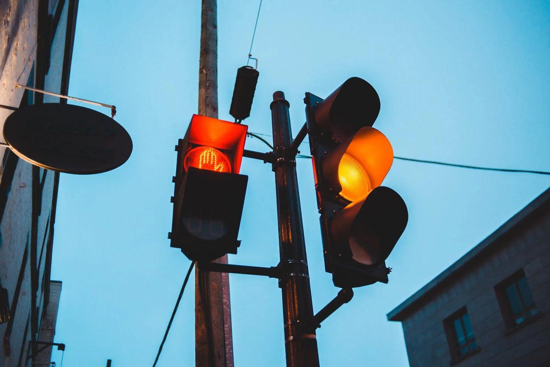 """В Польше нельзя выезжать на перекресток на """"желтый свет"""""""
