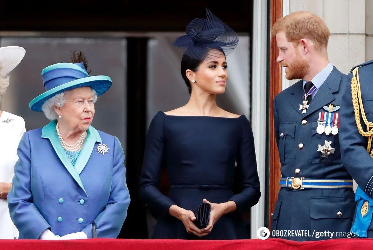 Принц Гарри, Елизавета II и Меган Маркл .