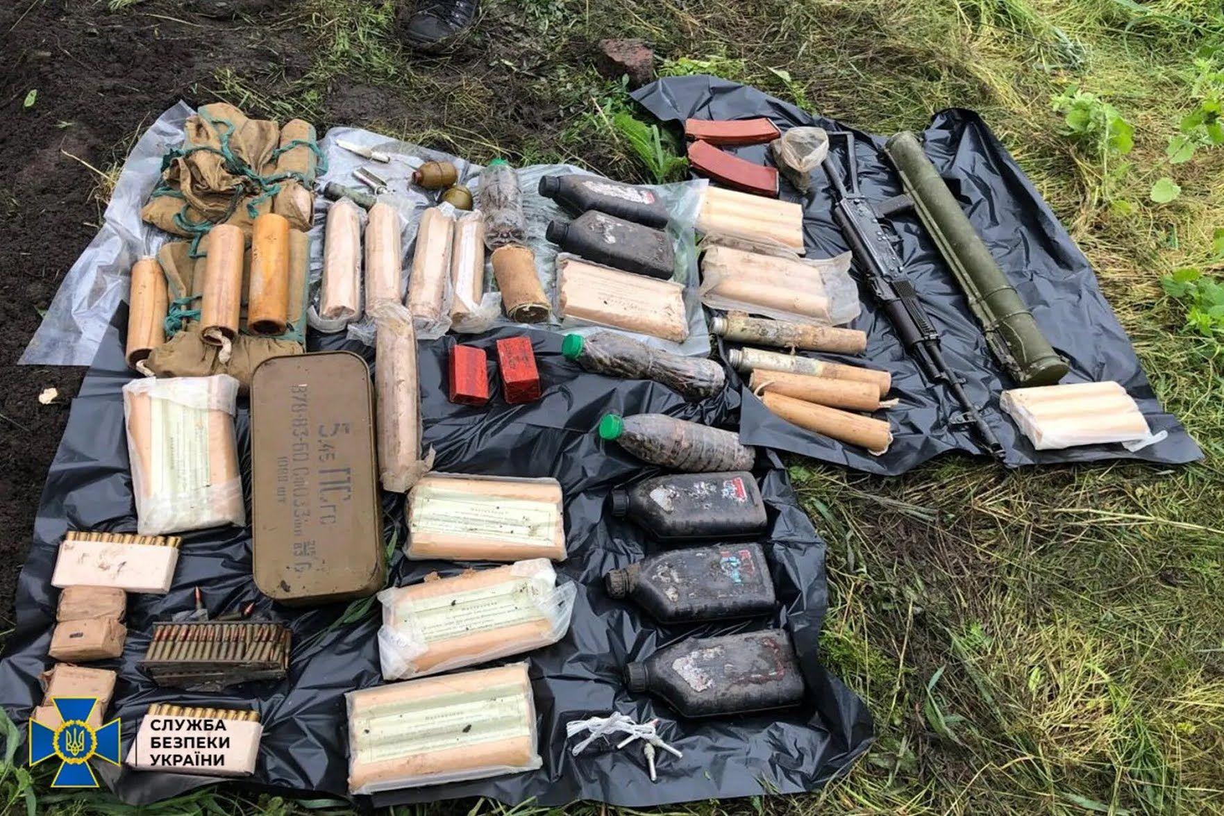 Изъятое оружие и взрывчатка направлены на экспертизу