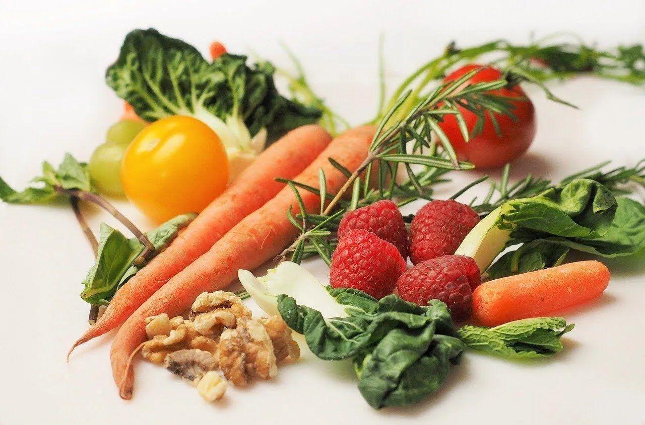 Здорове харчування – запорука пружної шкіри.