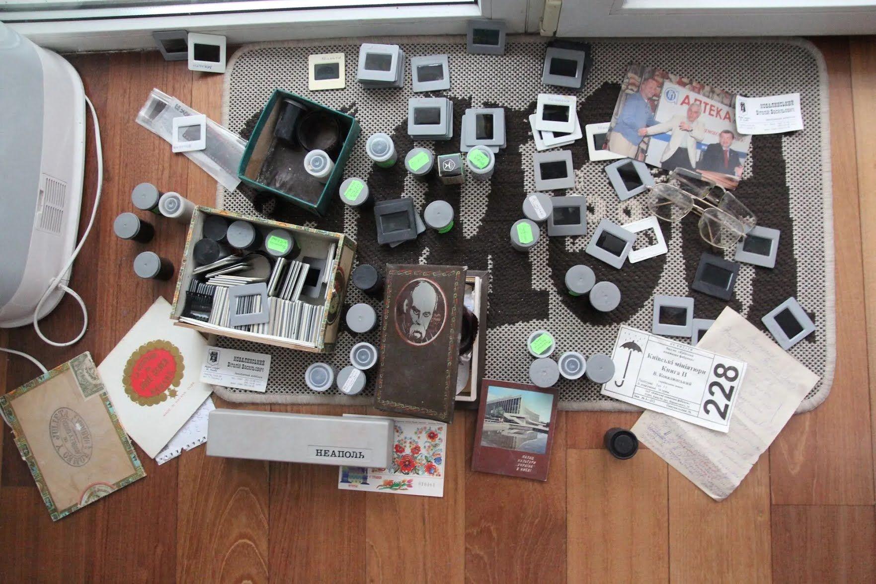 Залишки архіву Віталія Ковалинського викинули в смітник.