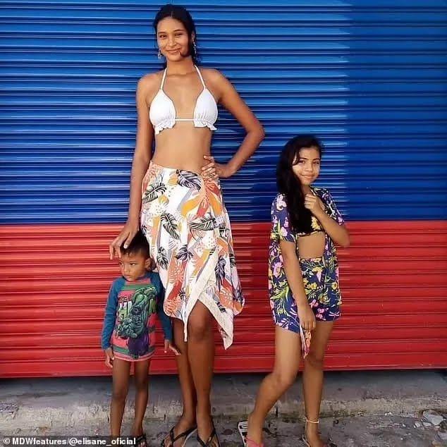 Дівчина найвища в сім'ї