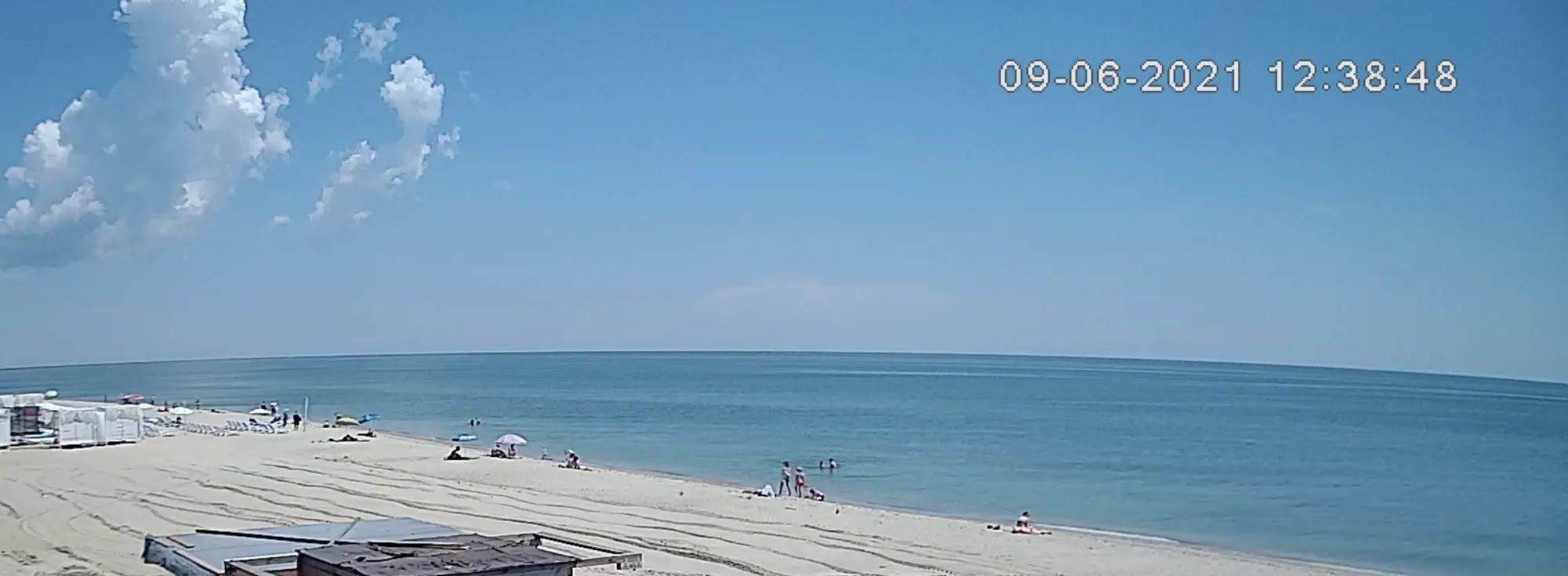 Центральний пляж Чорноморського узбережжя Затоки.