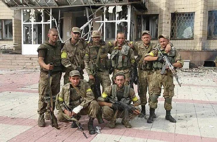 Воїни ВСУ у звільненому місті