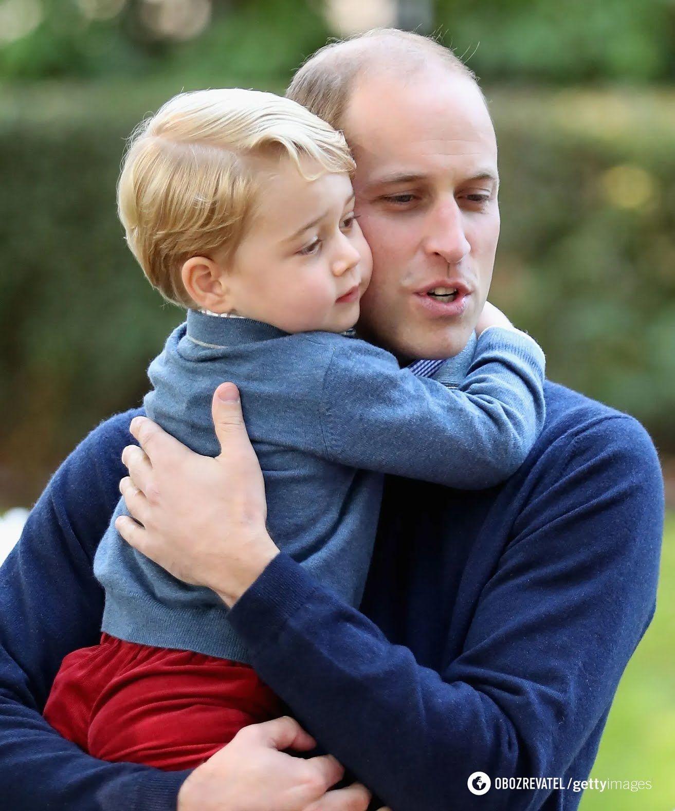 Принц Джордж з батьком.
