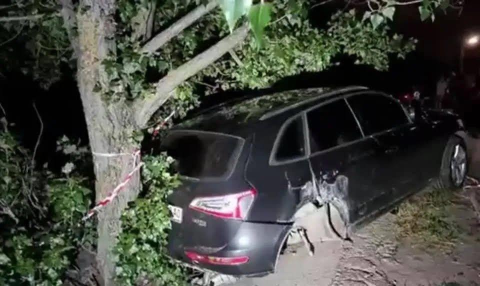 Машины получила серьезные механические повреждения.