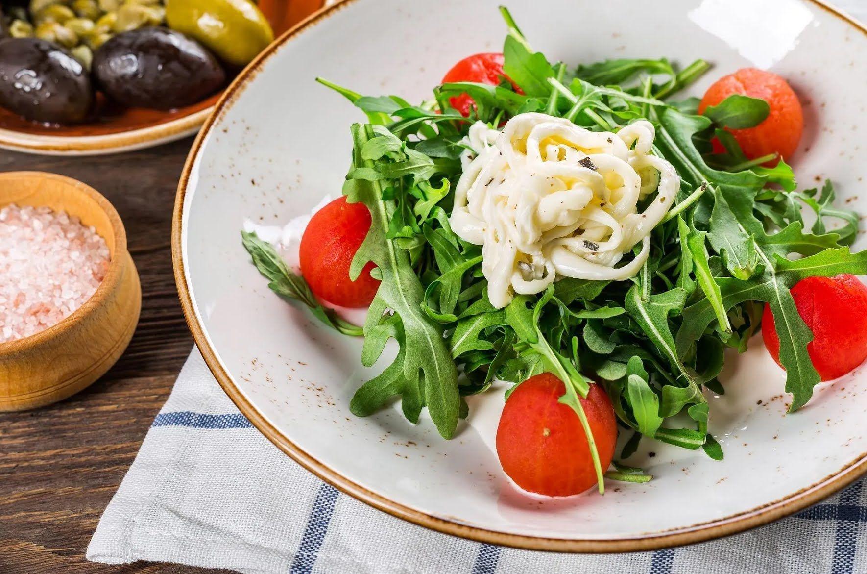 Легкий салат з руколою