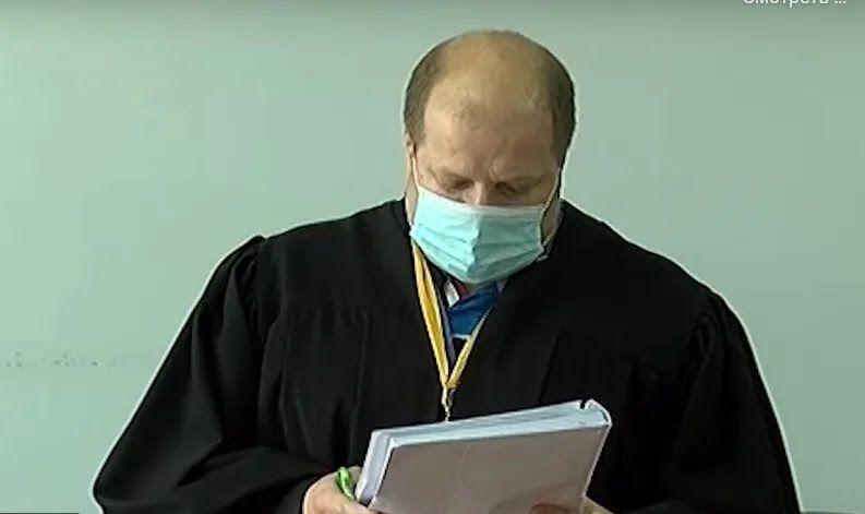 Суддя Євген Янголь під час засідання з обрання запобіжного заходу підозрюваним СБУвцям.