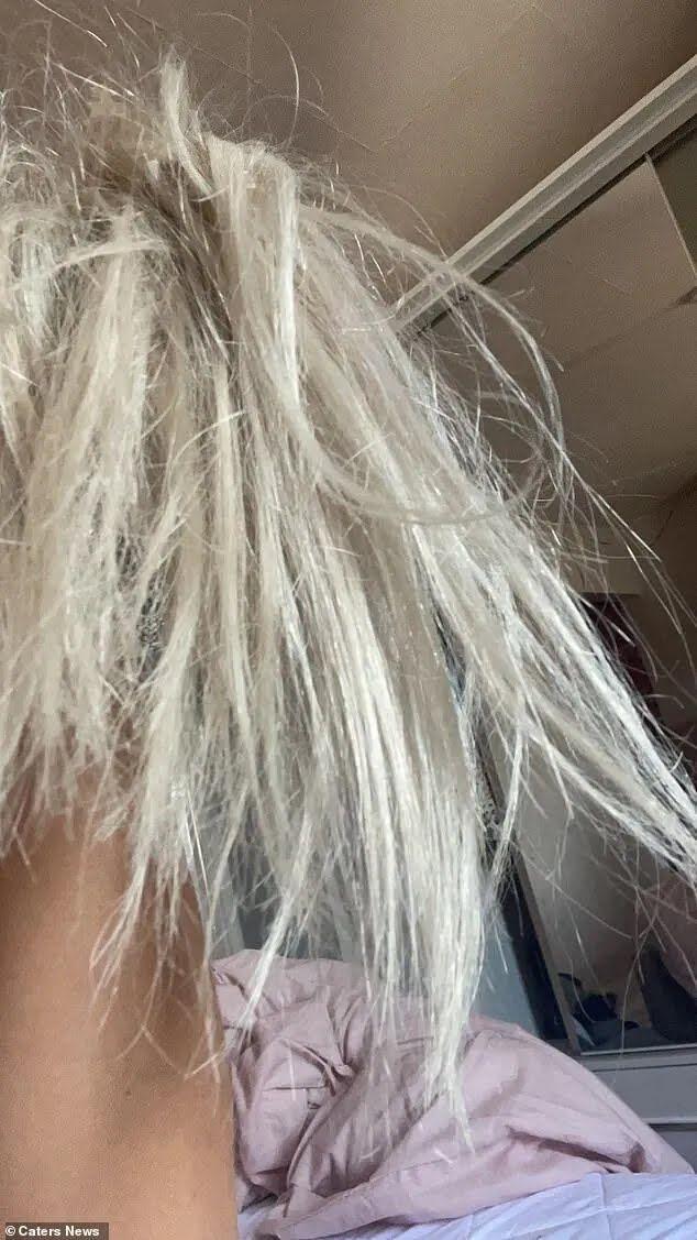 У Лейсі зіпсувалося волосся