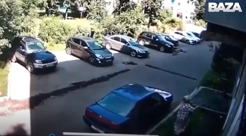 Инцидент удалось снять на видео.