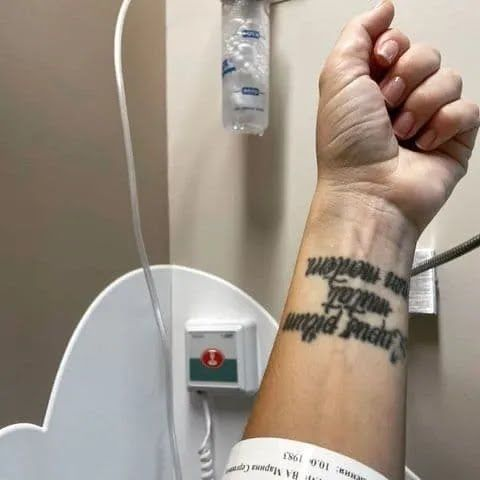 Певица МакSим (Марина Абросимова) показала фото из больницы.
