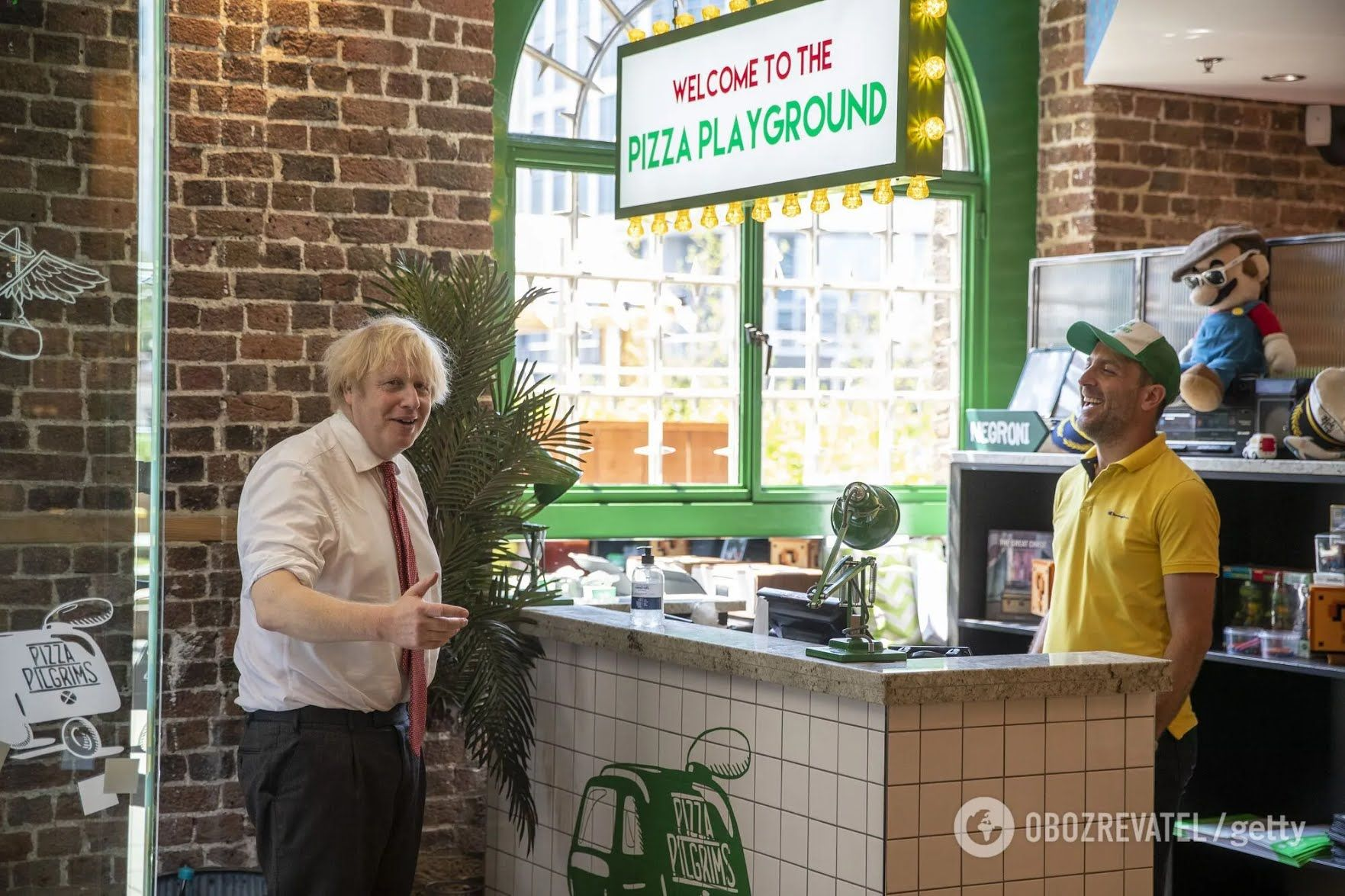 В Британии молодежи будут давать скидки на пиццу за прививку против COVID-19