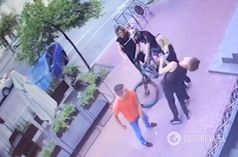 Напад біля гей-клубу