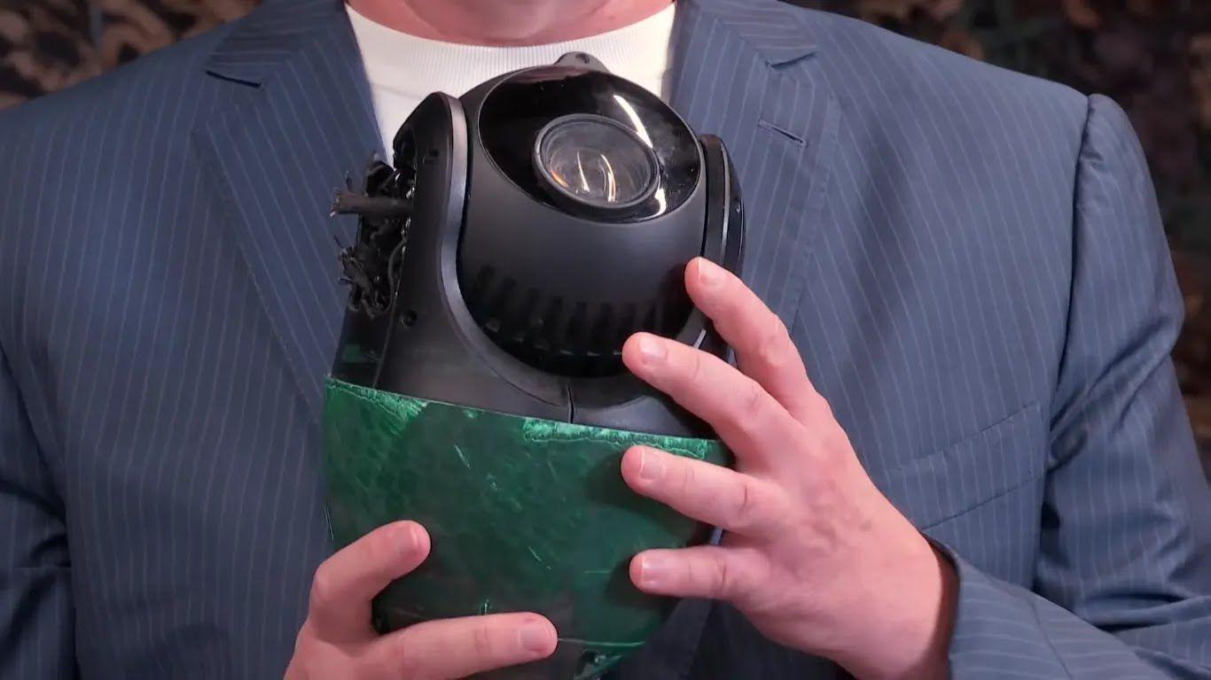 Порошенко показал поврежденную камеру