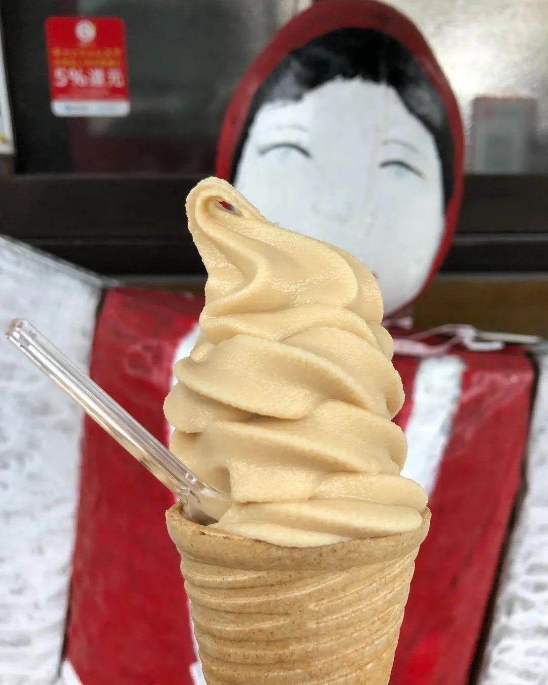 Мороженое со вкусом мисо хотят попробовать почти все туристы Японии