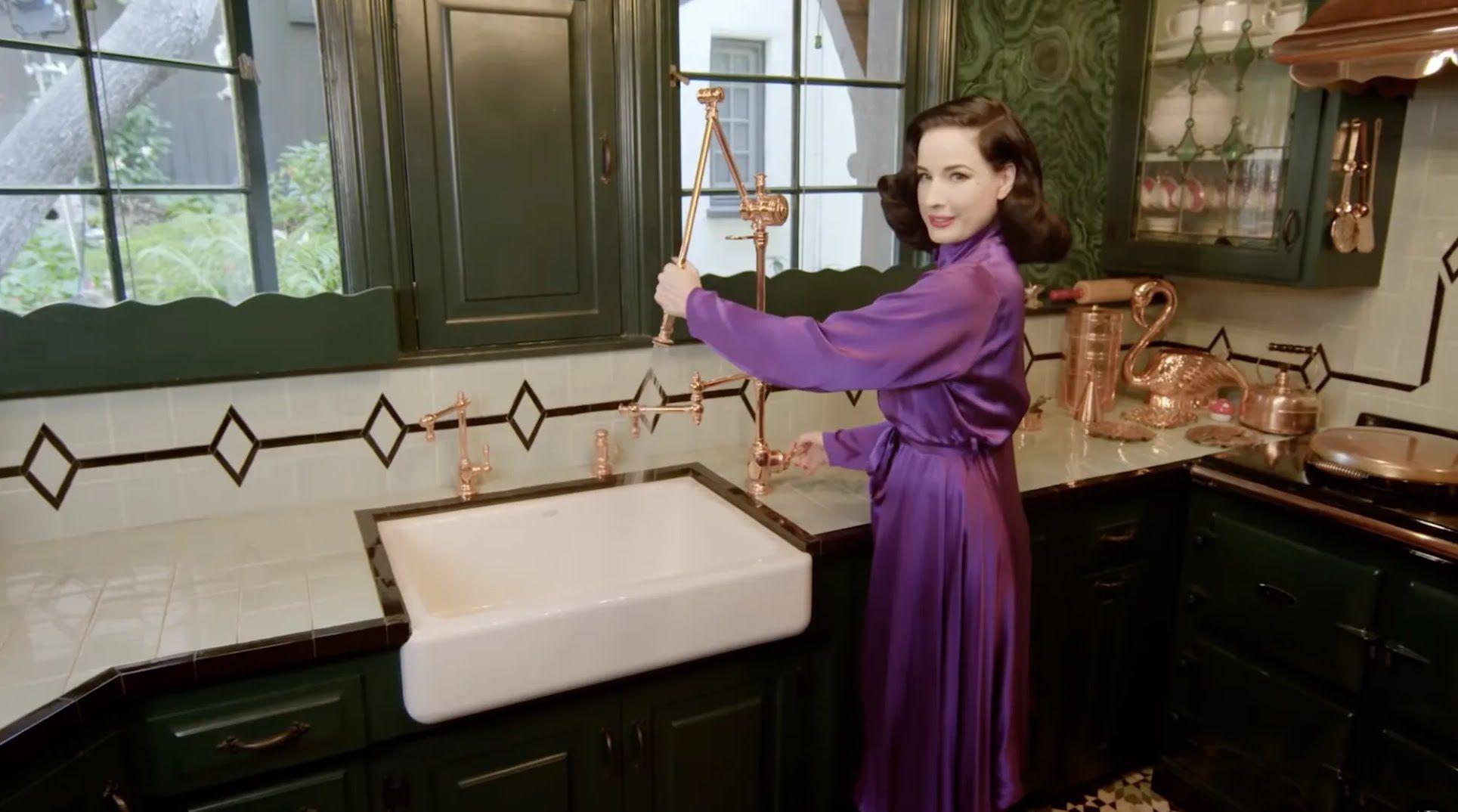 На кухне Диты фон Тиз много винтажных вещей.
