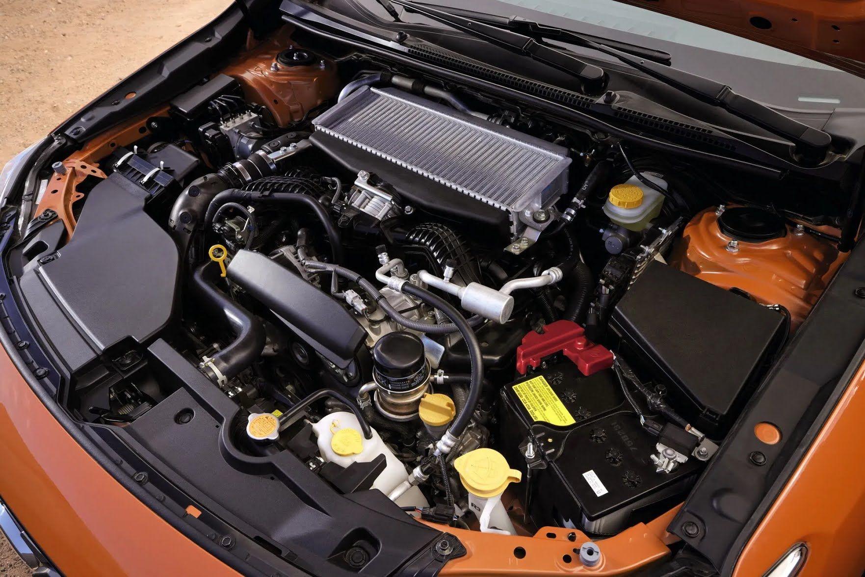 Под капотом новинки расположился 275-сильный турбированный оппозитный мотор объемом 2,4 литра