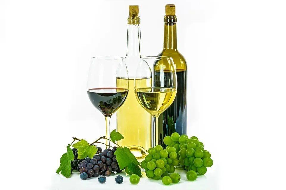 Алкоголь широко використовують у кулінарії