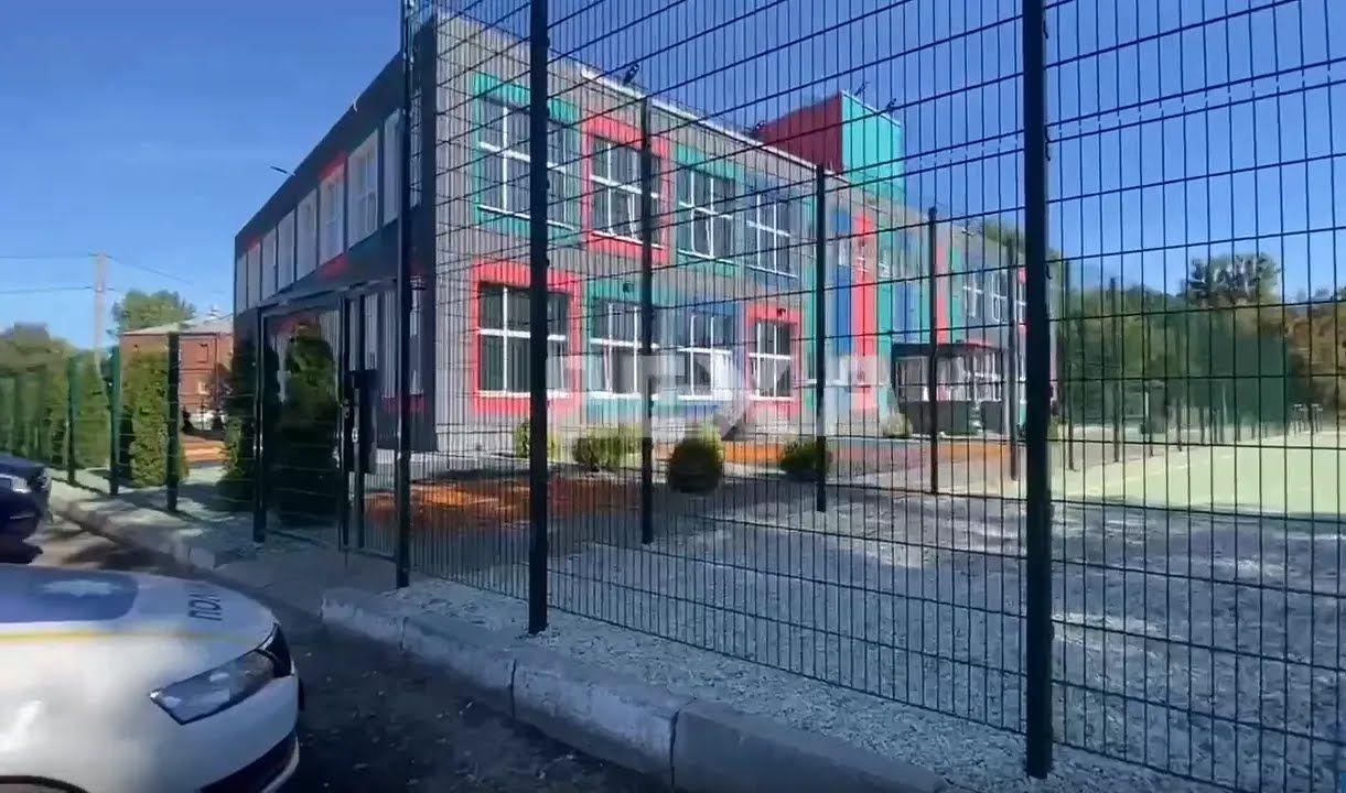 """Трагедія сталася на території приватного ліцею """"Перша українська школа"""" Push School"""