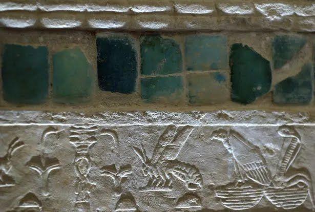 Синие камни в гробнице