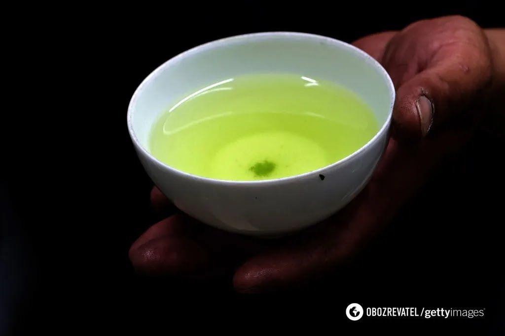 Чашка зеленого чаю