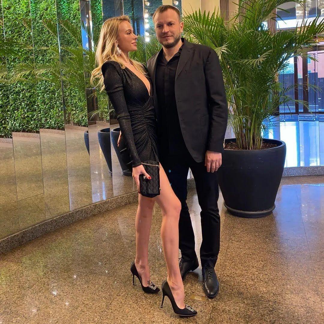 Мария и Олег Гусевы в мае отпраздновали восьмую годовщину брака