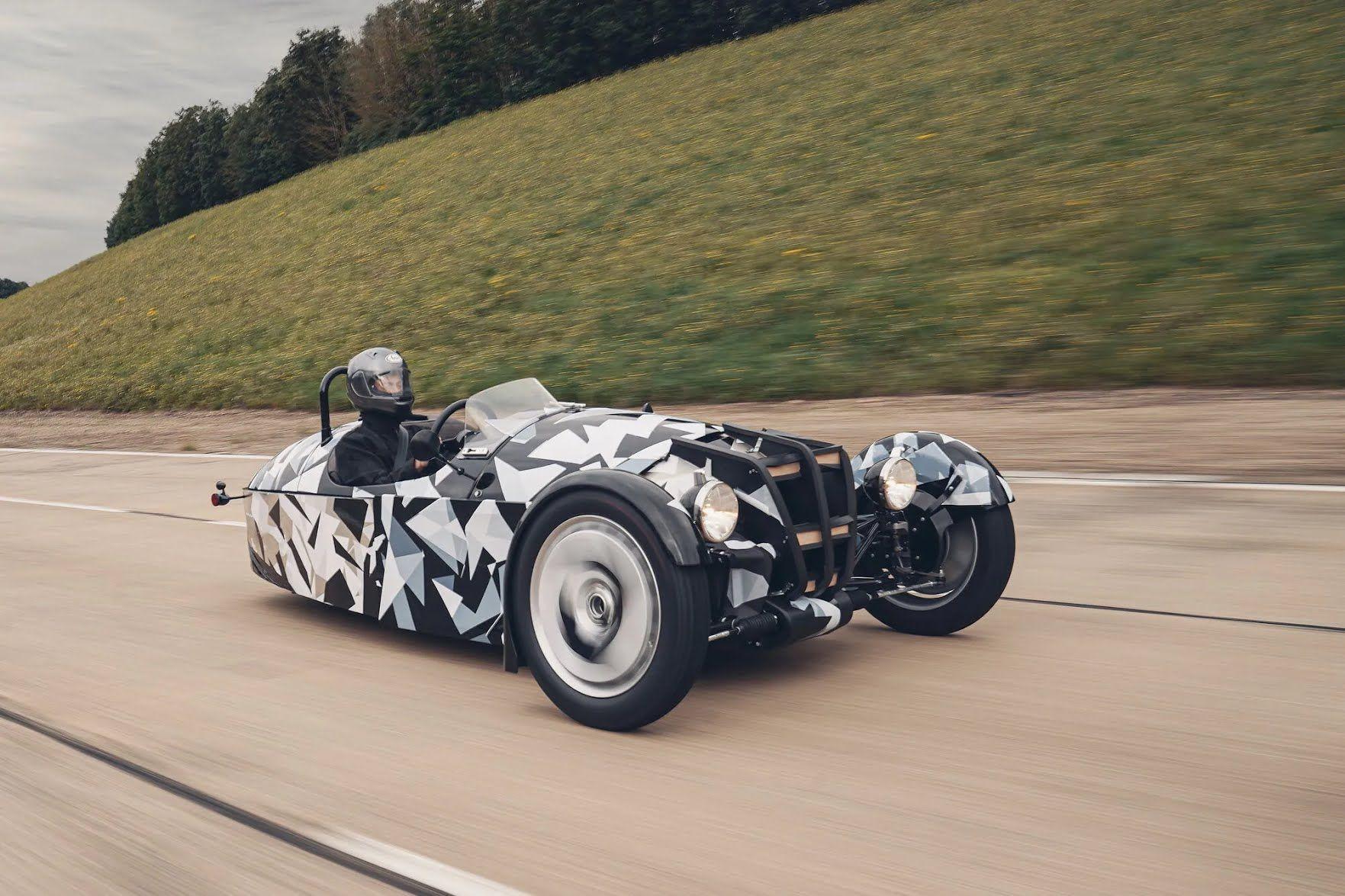 Британская компания Morgan готовит совершенно новую модель на трех колесах