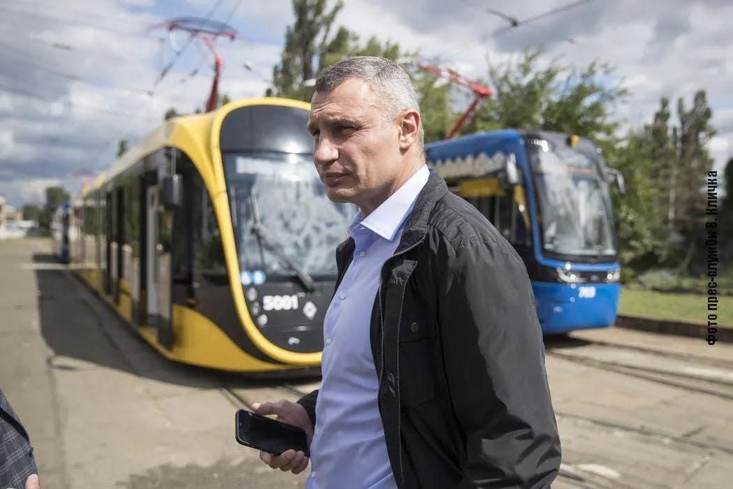 """Еще 3 трамвая """"PESA"""" поступят до конца этого года, сообщил Кличко"""