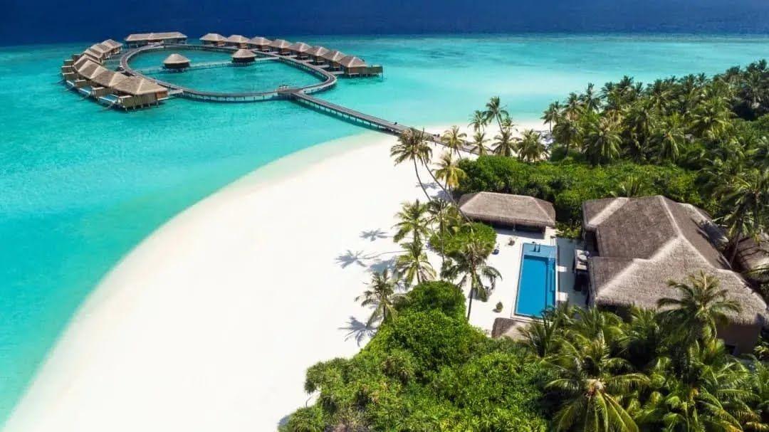 Как выглядит отдых на Мальдивах