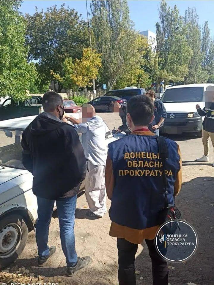 Правоохоронці затримали двох підозрюваних.