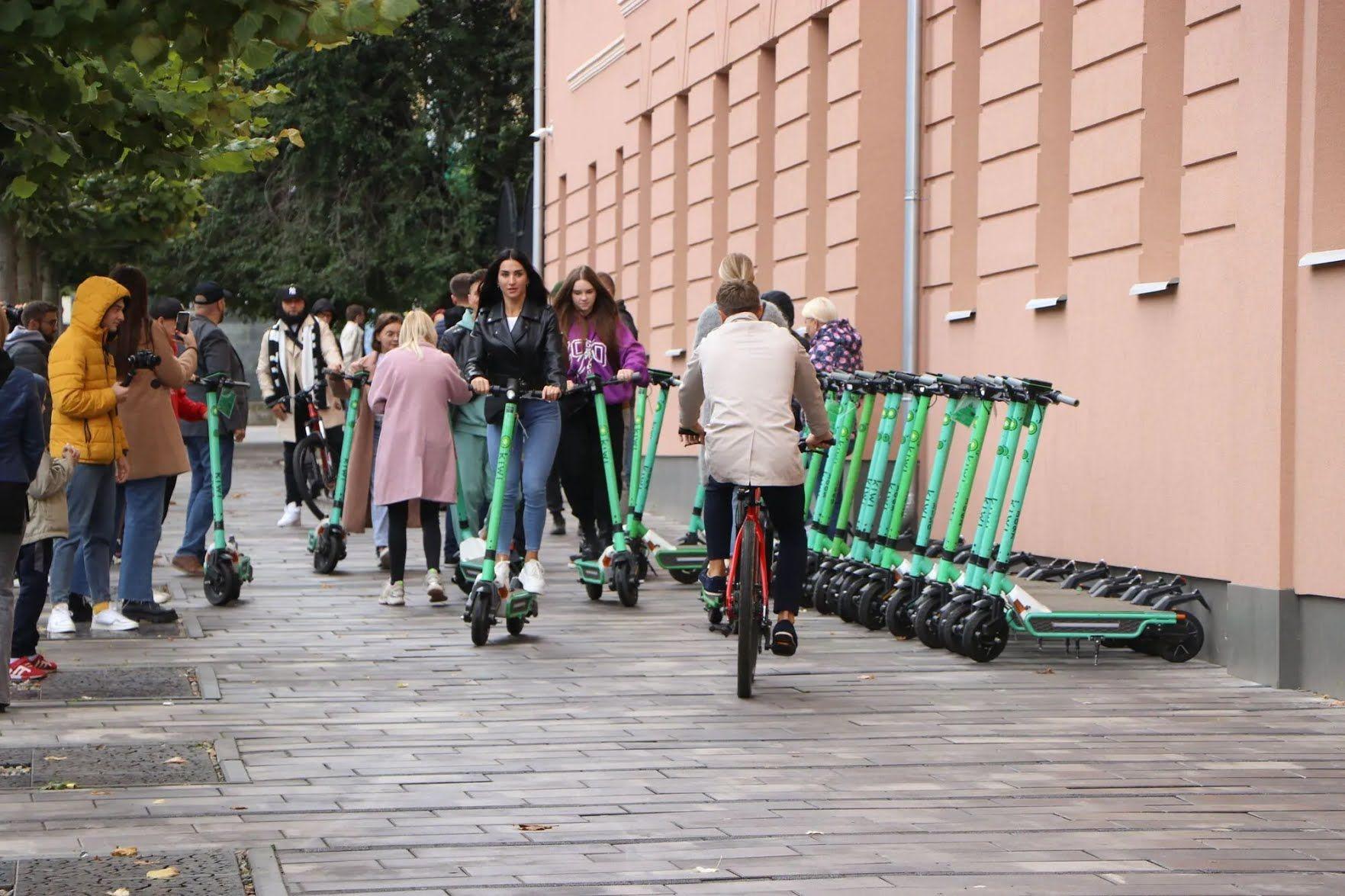 Блогеры участвовали в велопробеге на самогактах