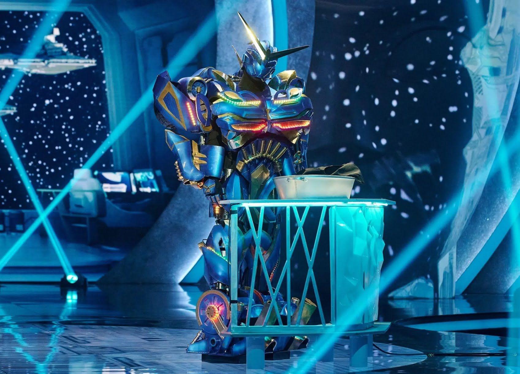 Новий учасник шоу - Робот.