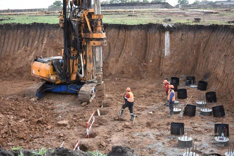 Будівельники вийшли на фінальну стадію земляних робіт