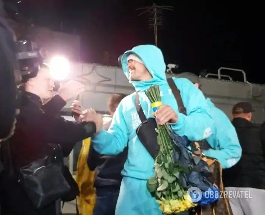 Усика феерично встретили в Киеве.