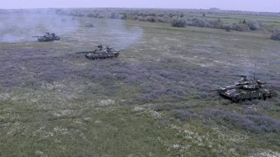 Танкисты тренировались скрывать и маскировать боевые машины