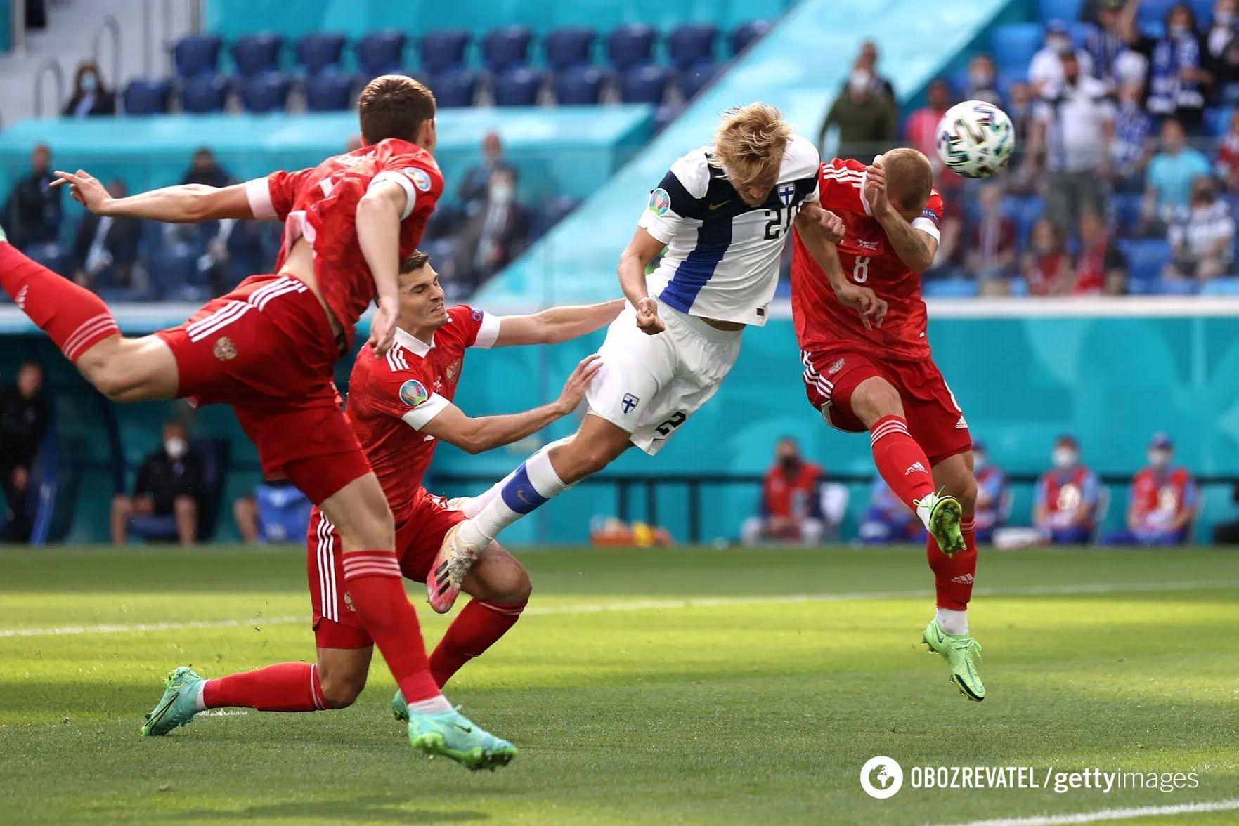 Росіяни в матчі з Фінляндією.