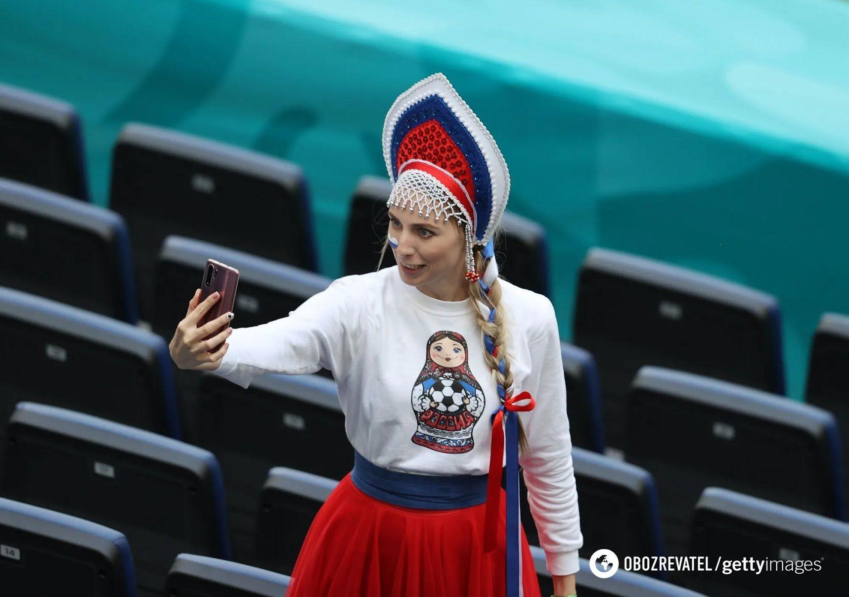 Российская болельщица на матче против Финляндии