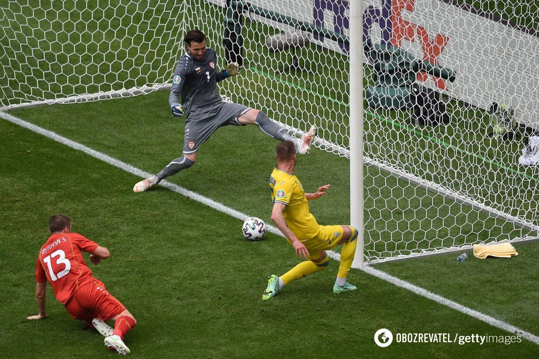 Ярмоленко забив перший гол в ворота македонців, а Яремчук подвоїв рахунок.