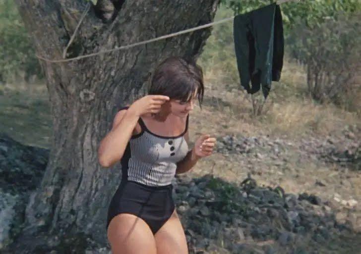Наталія Варлей в купальнику