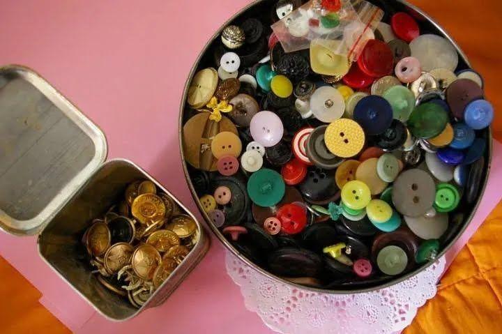 В СССР коллекционировали все пуговицы и принадлежности для шитья.