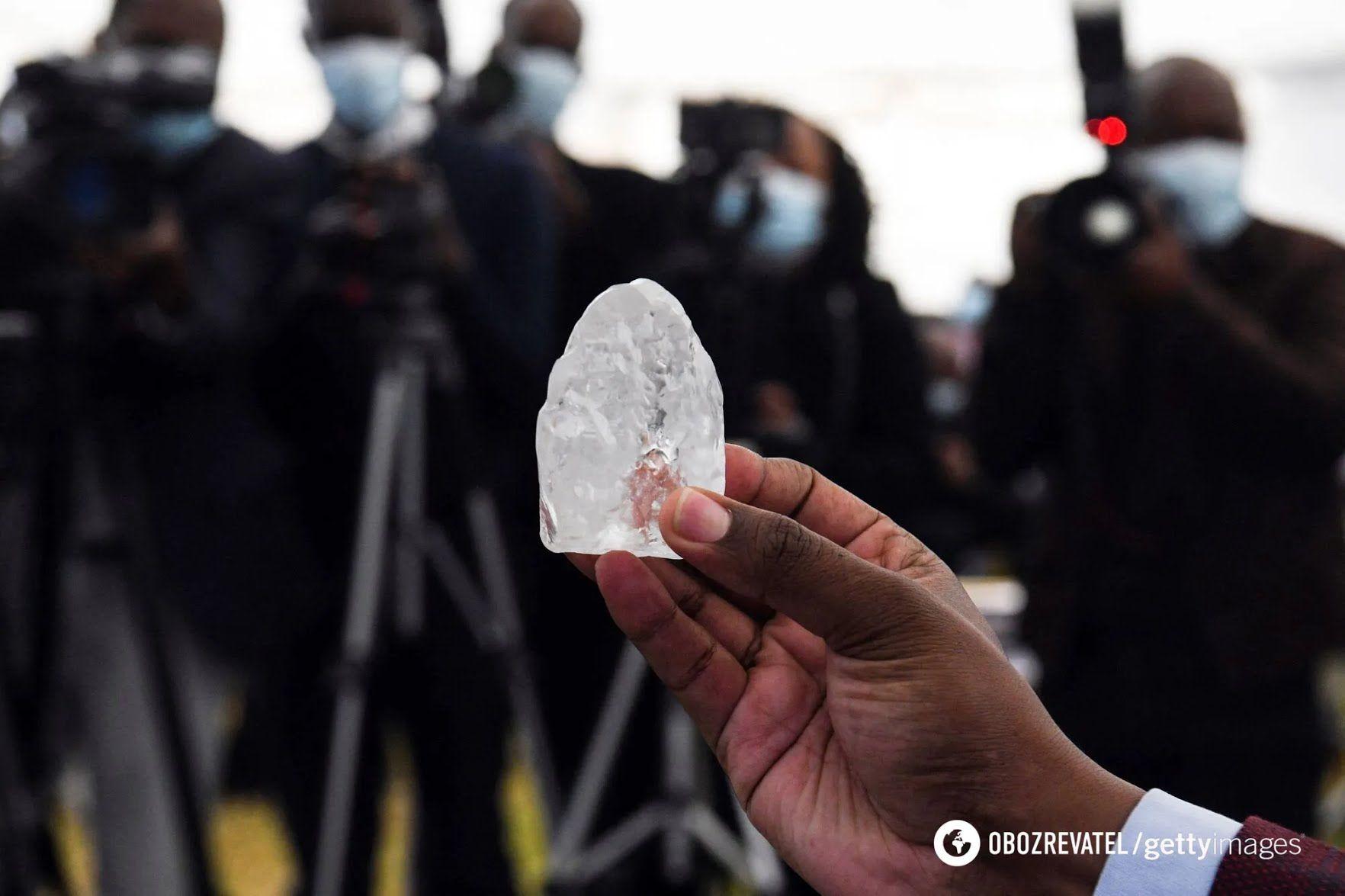 Знайдений алмаз розміром з яйце